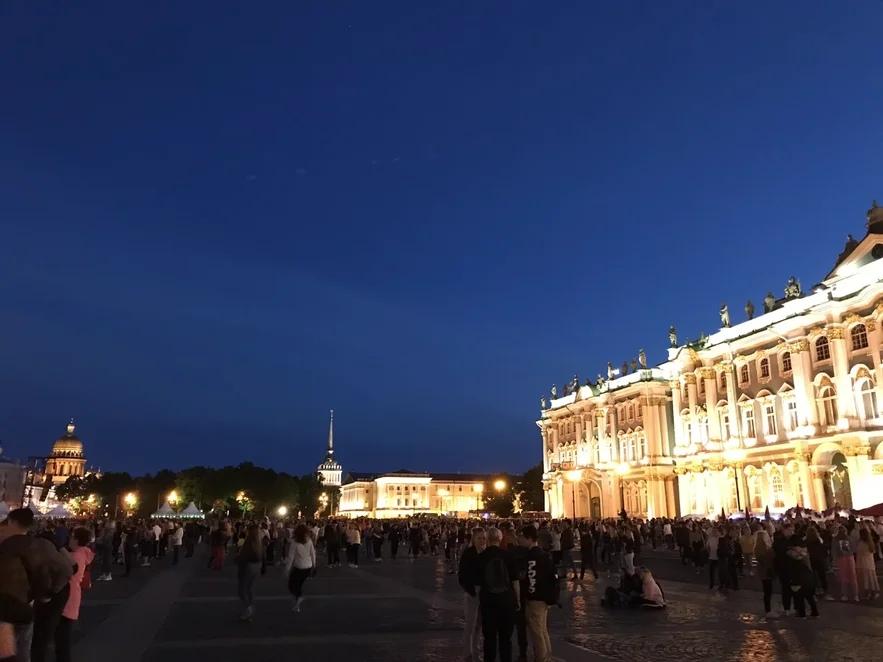 Дворцовая площадь и Ночной Петербург