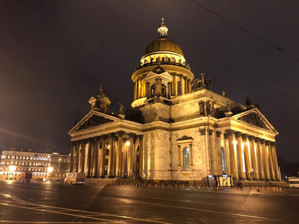 Исаакиевская площадь ночной Петербург