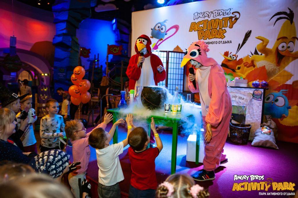 Кошмар на Острове Свинок в Angry Birds Activity Park!