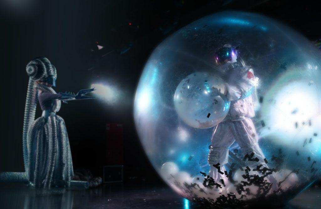 Премьера экшн-спектакля «Лунозавр на Луне»