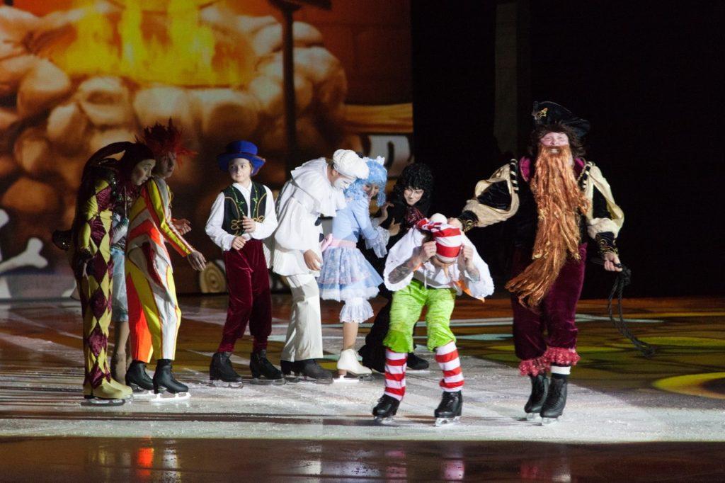 Спектакль Елены Бережной «Приключения Буратино на льду»