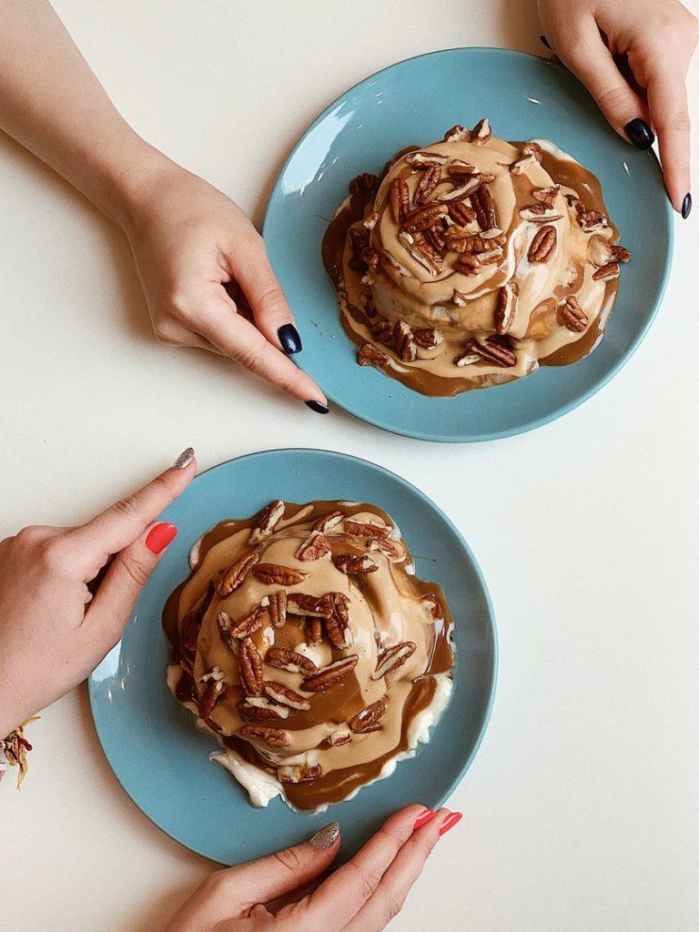 Доставка от кафе-пекарни СиннабонДоставка от кафе-пекарни Синнабон