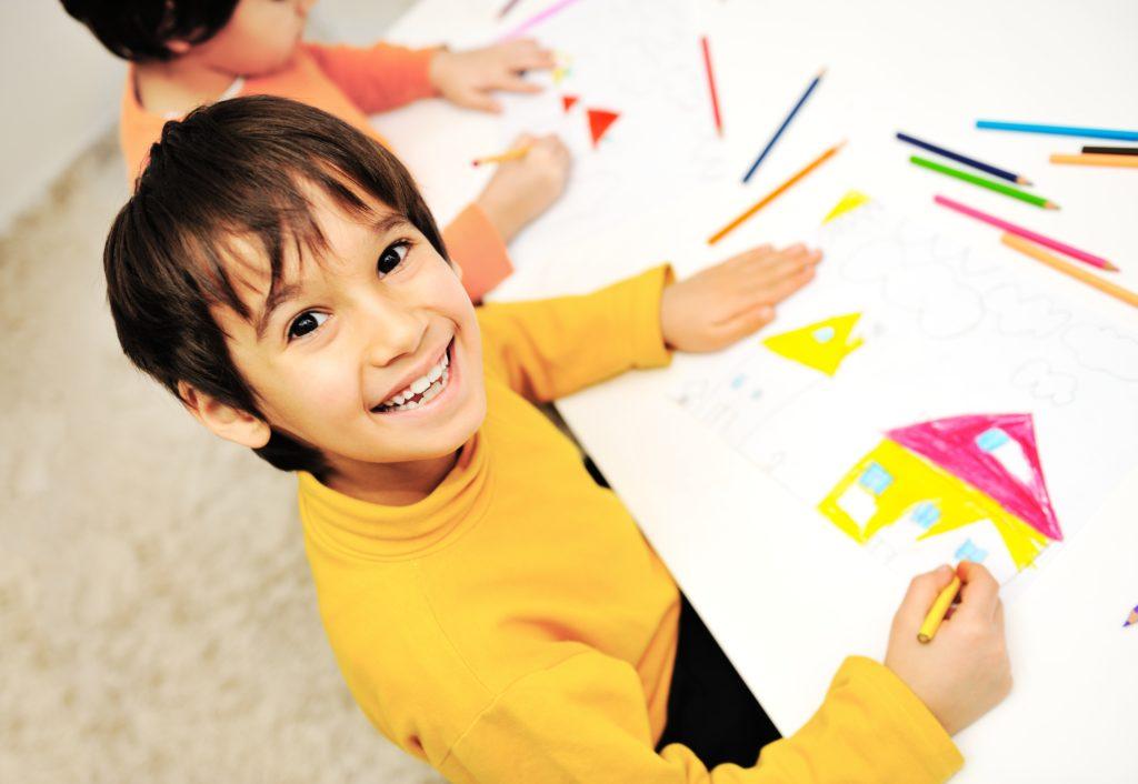 Детский клуб МЕГИ запускает бесплатный курс по рисованию «Вокруг света»