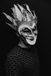Губернатор запрещает танцевать: концерт Boris Brejcha перенесен на 13 июня