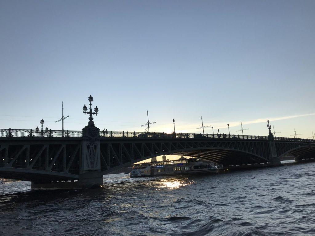 Вариант для короткого отпуска: водные путешествия по Петербургу и России