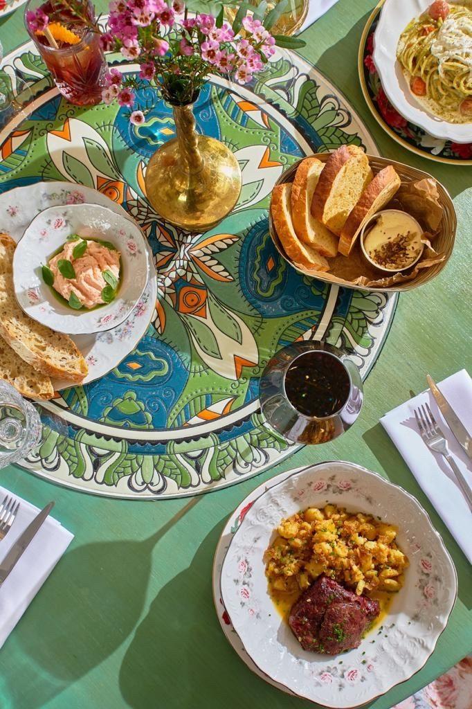 Babуshka – стильный семейный ресторан в центре Питера